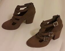 STYLISH CAMEL STONE BUCKLE ANKLE BOOTS UK 7 VERY GOOD CONDITION