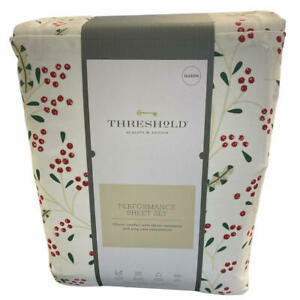 Threshold Holly and Ivy Ivory Performance Sheet Set Queen