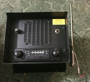 760841 - A New Fender Mount Radio From REI For Various Tractor Models