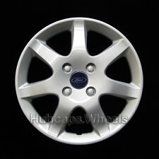 Ford Focus 15-inch hubcap 2005-2006 - Professionally Reconditioned