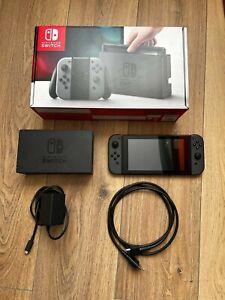 Nintendo Switch 32 Go Console Portable - Version 1 non patché -Joy-Con gris