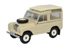 Land Rover SWB SeriesIII Station Wagon in Cream Oxford 00 Gauge 1 76rd Item