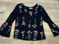 Solitaire Lace Embroidered Floral Top Bell Sleeves Lined NWOT Womens Sz L