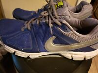 Nike mens shoes size 11.5