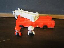 Fisher Price Little People Play family Fire Engine Truck firemen Ladder Toy