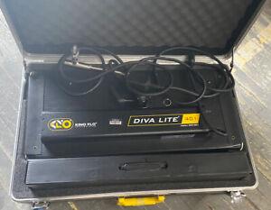 Kino Flo Lighting System, Diva Lite 401, model DIV-401