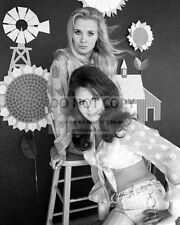 "GUNILLA HUTTON AND DIANNA SCOTT IN ""HEE-HAW"" - 8X10 PUBLICITY PHOTO (AA-698)"
