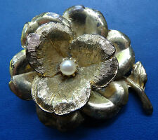 vintage signed HOLLYWOOD cream faux pearl 3D flower brooch -C510
