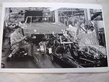 1965  CHEVROLET CORVETTE ASSEMBLY LINE    11 X 17  PHOTO /  PICTURE