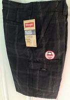 NWT Men's Wrangler Cargo Shorts Black Grey Striped Relaxed Fit Low Waist Sz 32