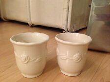 2 schöne Becher, Tassen, Rosen Dekor, Kaffeebecher, weiß creme, Shabby Landhaus