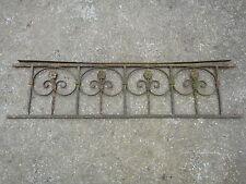 102 / 122 cm (3) - Ancien garde corps en fer forgé à motifs de petites fleurs