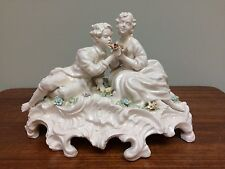 CAPODIMONTE Blanc Chien Couple Figure Group Figurine Colored Applied Flowers