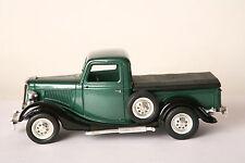 Solido 1:19 Ford V8  LKW Pickup grün 1936    (16737)