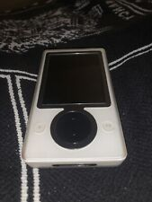 Microsoft Zune 30 White (30 GB) MP3. This Is The Definition Of Cool!