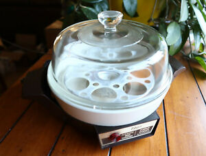 Vintage Automatic Oster Egg Cooker Model 579 Made Canada