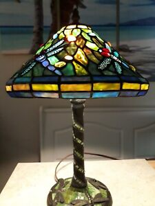 """BEAUTIFUL Vintage Tiffany Style """"DRAGONFLY"""" Stained Glass Lamp"""