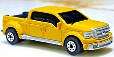 Maisto Fresh Metal Ford Heavy Duty F-350 Yellow with 5th Wheel Hitch 1:64 Scale