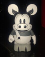 """DISNEY VINYLMATION 3"""" 3 Inch Classics Collection Black And White Percy Pig"""