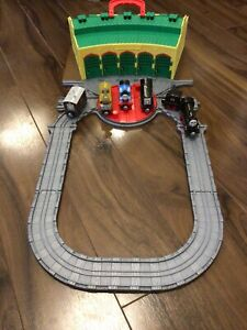 thomas the tank engine take and play Sets Tidmouth Sheds And Trains