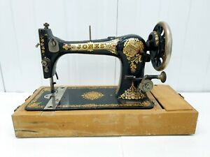 Early 1900's Vintage Jones Family Cs Sewing Machine Hand Crank Manchester   rare