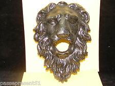 Jolie tête de lion en fonte de fer, Bouche de fontaine, II