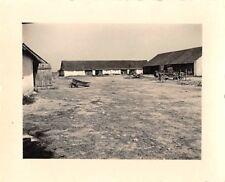 Deutsche LKW auf Bauerngut Radomsko Polen