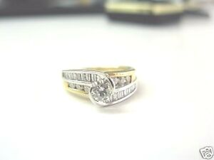 Fine 14Kt Lady's Round & Baguette Diamond Solitaire W Accent Engagement Ring