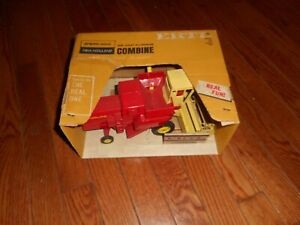 SPERRY RAND NEW HOLLAND ERTL COMBINE  750 WITH BOX