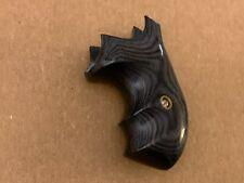 Badger Silver/Black Boot Grips for S&W J-FRAME, ROUND BUTT Revolver