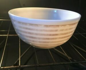 Vintage PYREX 403 Horizontal Tan Lines 2 1/2 Quart Bowl
