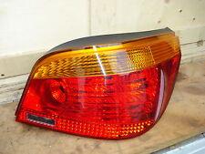 Rückleuchte rechts BMW 5er E60 Bj.03-07 gelb/rot Original Hella mit Lampenträger