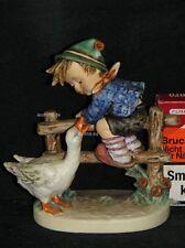 """Goebel Hummel 195/I """"Angsthase"""", Junge auf Zaun, davor Gans Goose"""