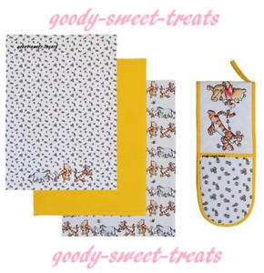 Disney Winnie The Pooh Double Oven Glove And Tea Towel Gift Set