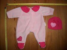 Vêtement tenue de poupon bébé : grenouillère pyjama Berchet avec bonnet