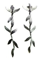 Lange verzilverde oorbellen met blaadjes - Leafy silver plated pendant earrings