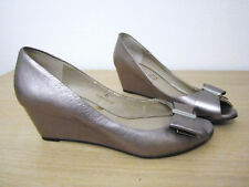 WOMAN M&S PORTFOLI BOW LOW HEEL SHOES SIZE4.5 Metallic Bronze WEDGES MARY JANES