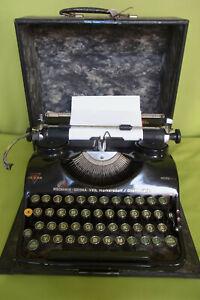 Reiseschreibmaschine Schreibmaschine Groma Modell N im Koffer schwarz