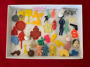 Details about  /Lot of 23 Assorted Vintage Charms VENDING MACHINE Baseball Helmets in Capsules