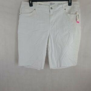 Style & Co Women's Plus Mid-Rise Bermuda Frayed Hem Denim Shorts WP-332