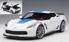 Chevrolet Corvette C7 Grand Sport Arctic White / Blue Stripes 1:18 Model 71271