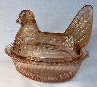 Boyd Art Glass Hen / Chicken On Nest Honeycomb