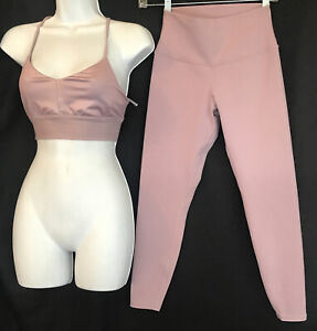 alo yoga Sports Bra And Crop Leggings Light Purple / Lilac Size S