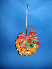Byers Choice Carolers  Pretzel Ornament ptz1