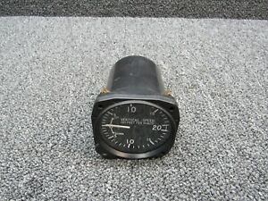 7000 United Instruments Vertical Speed Indicator