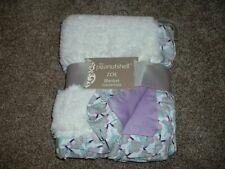 The PeanutShell Zoe Baby Blanket White Purple Faux Fur Flowers Satin NWT RARE