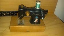 Máquina de coser de juguete