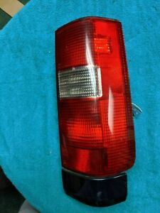 1994 1995 1996 1996  Volvo 850 Passenger Right Tail Light Station Wgn Lower