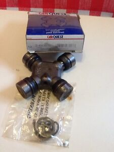 CARQUEST  2-4900 (Neapco )Universal Joint  Made In USA, N.O.S.