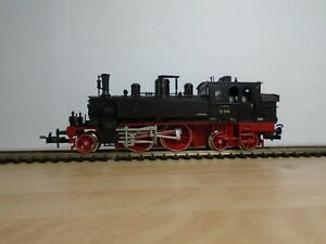 Trix 2436 Tank locomotive  BR73 079 directional lights boxed and near mint (w38)